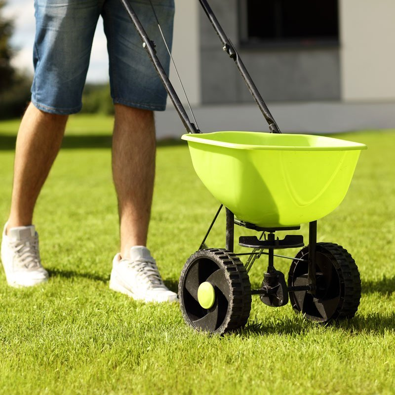 Lawn Spreaders, grass seed equipment spreader